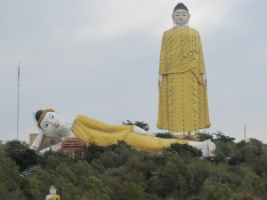 Giant Buddhas statues at Bodhi Tataung (photo by Maia Coen)