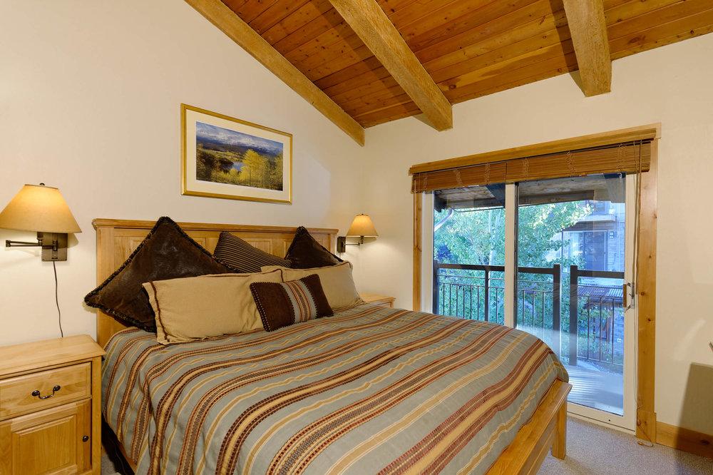 Crestwood Condominiums Deluxe Bedroom-HIGHRES.jpg