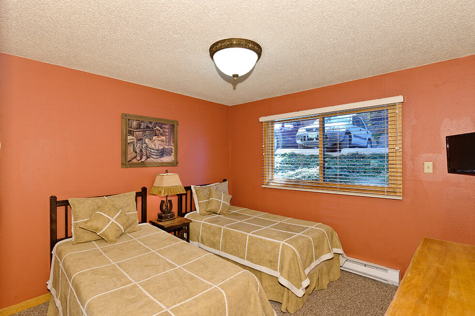 The Crestwood Condominiums 2 Bed Standard05.jpg