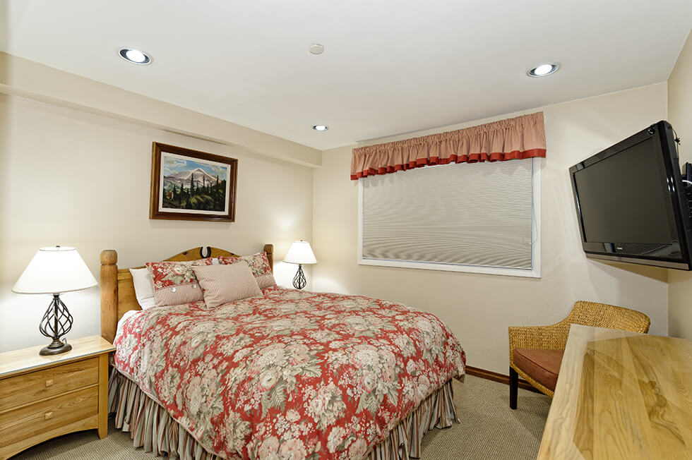Crestwood Condominiums 3 Bed Loft Premier 09.jpg