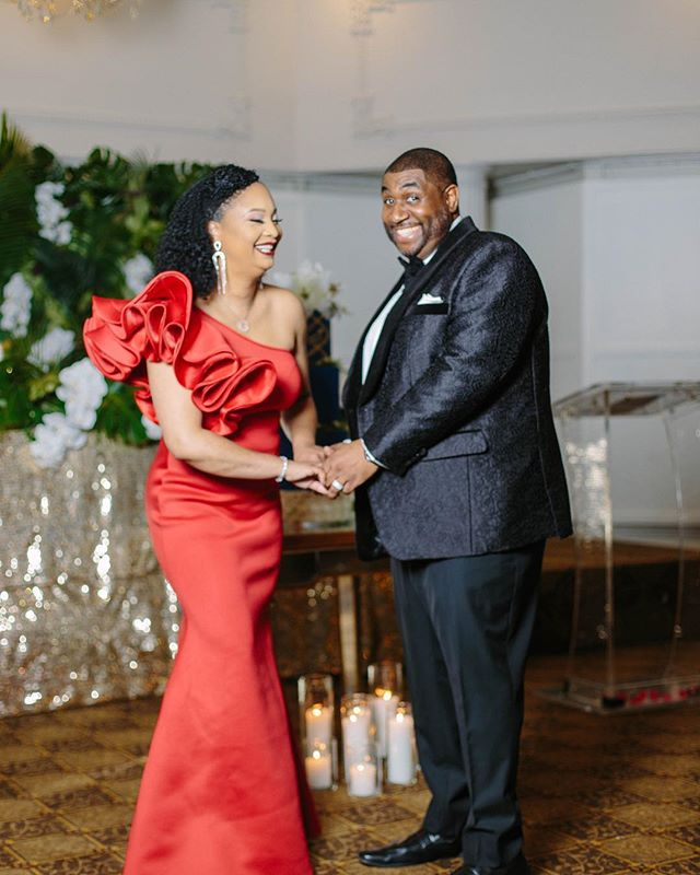 Love & Laughter 🖤 . 📷 @samanthaclarke | MUA: @tropbelle_makeup | Hair: @joujouhair | Gown: @fashionnova | Suit: @eadenmyles . . . . . #blacklove #blacklovedoc #unstoppable #candidphotography #happilymarried #samanthaclarkephotography #mrandmrs #meetthebrowns #blackwomenwhoblog #fashionnova #eadenmyles #torontoeventplanner #love #marriedlife #couplesgoals #leigheventsco #leighevents