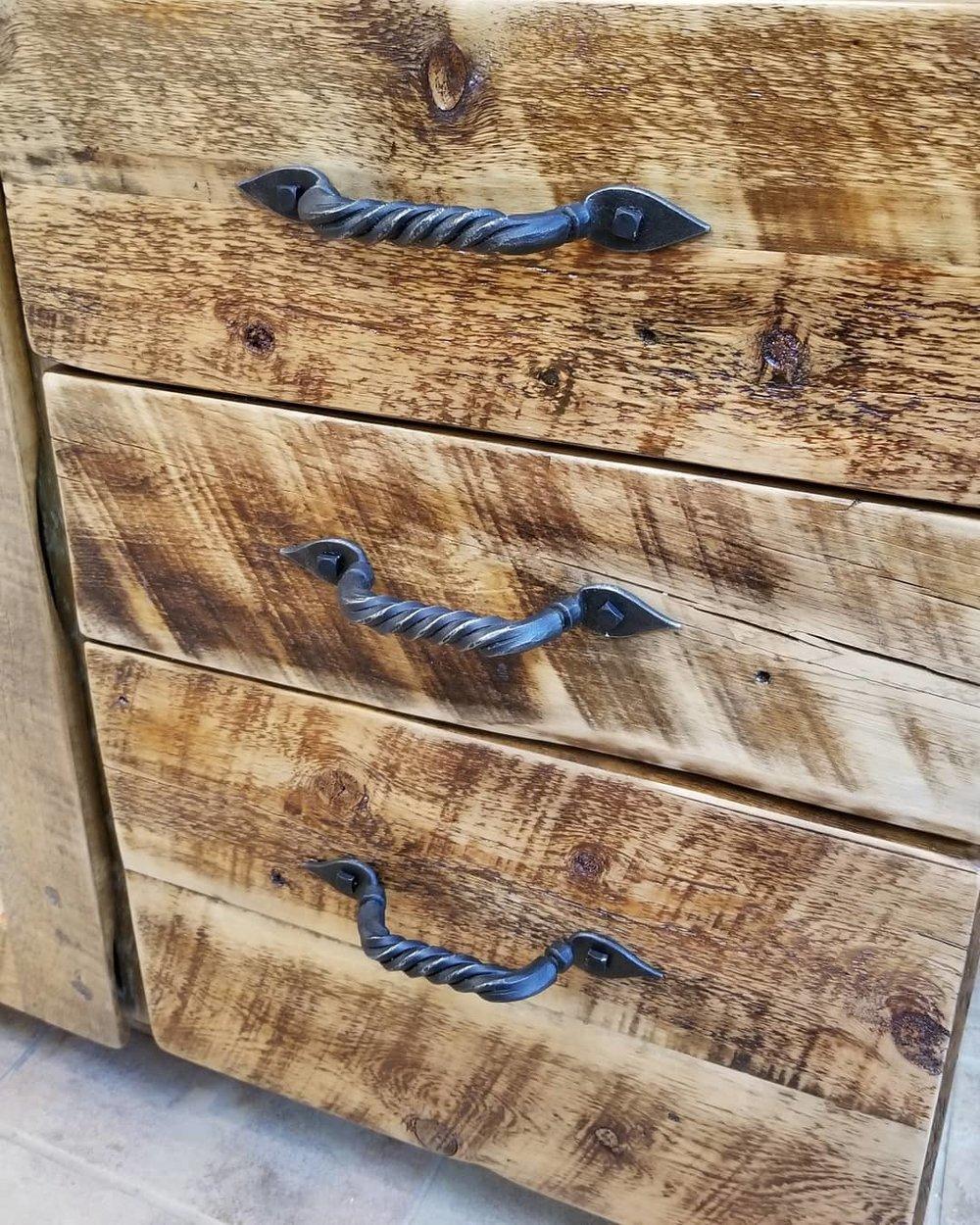 Cabinetpulls.jpg
