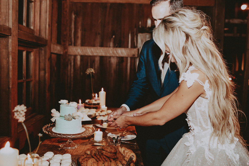 c_c_wedding_gettingready(228of329).jpg
