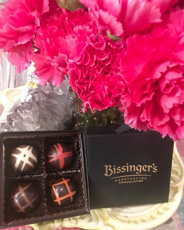 Strawberry Merlot, Earl Grey Blood Orange, Double Chocolate and Hazelnut Praline TRUFFLES ... YAS PLEASE! We had a sweet 'ol time hanging with @bissingers this weekend. 😍😍😍 #hearmeroar #chocolate #truffles
