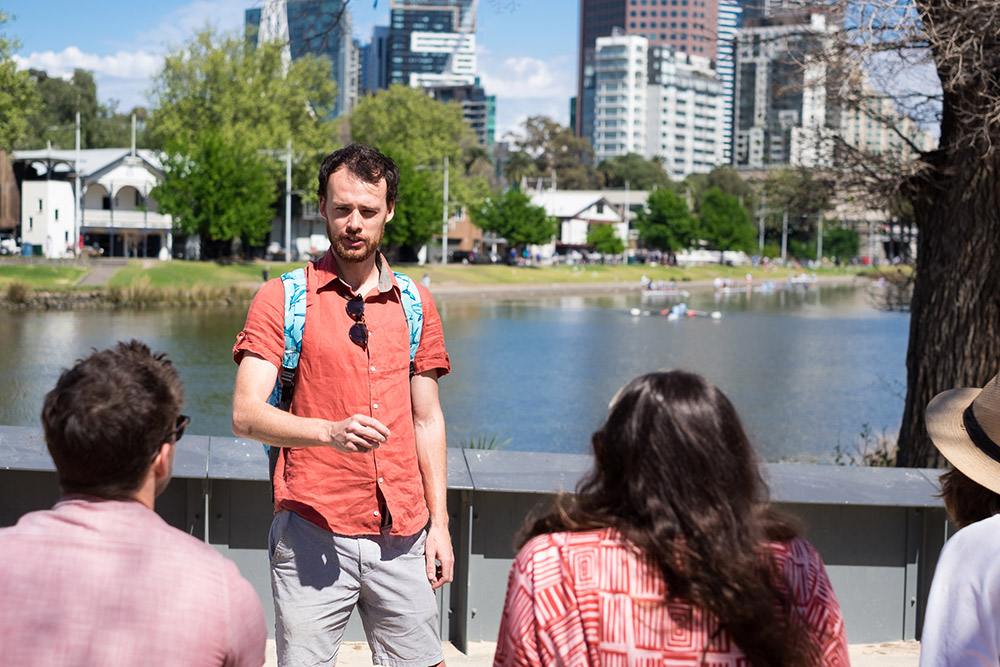 Tour-Guide-at-the-Yarra-River-_-Melbourne-Walking-Tour.jpg