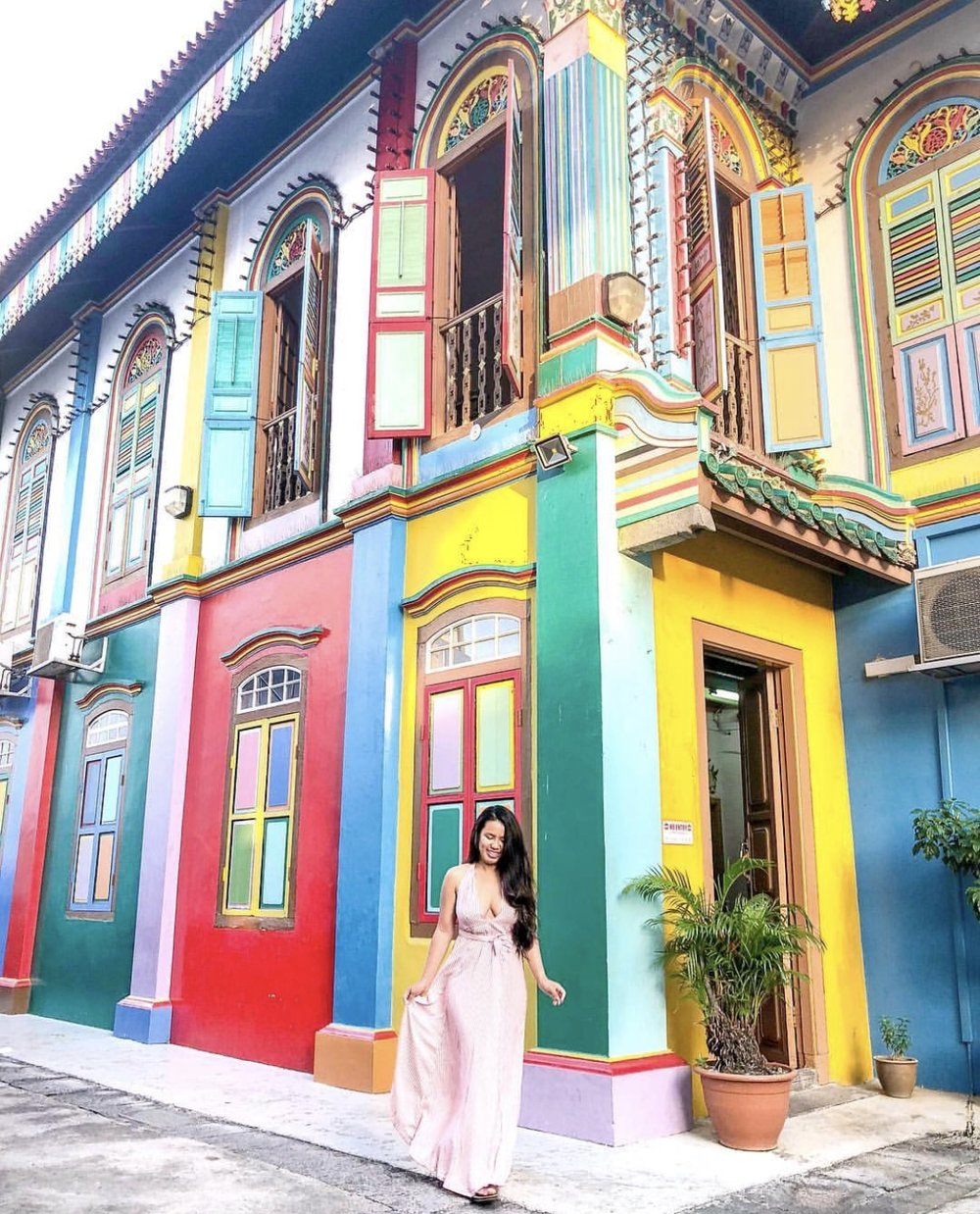 Spent a total of 26 SGD ($19) to take a picture in front of this house because this was farrrr away from where I was staying, I had work and wasn't going to go to this area so I took a cab and went at the crack of dawn right before work