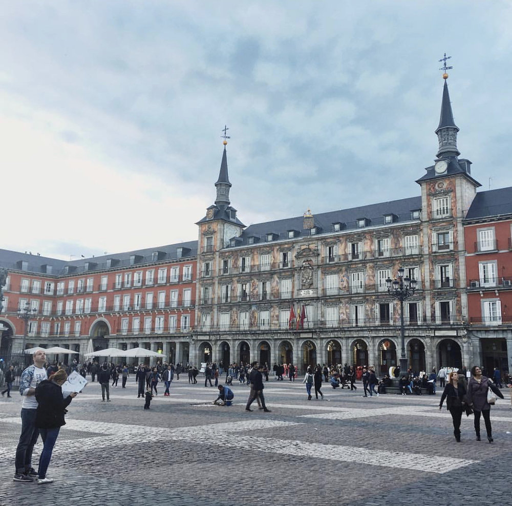 People watching in Plaza Mayor