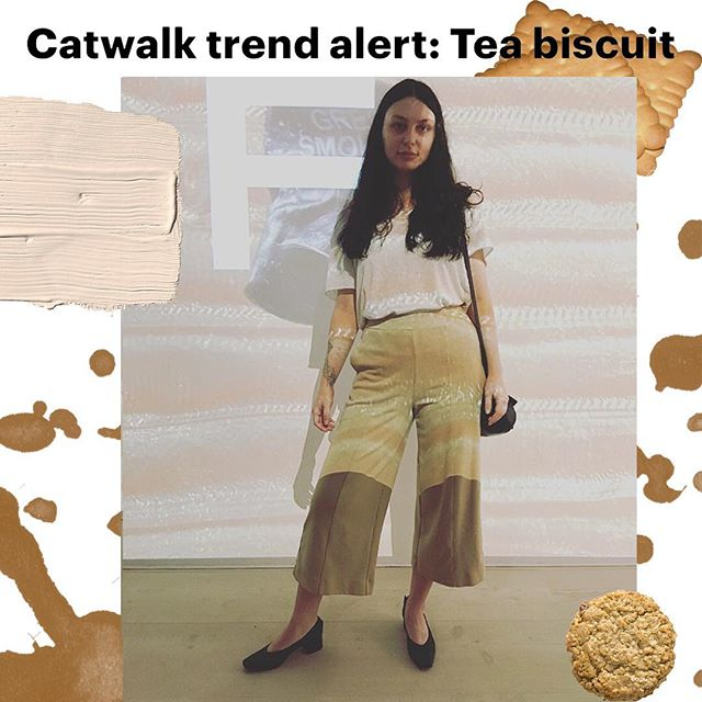 #trendalert 🚨฀ @wgsn have announced a new catwalk trend: Tea Biscuit ฀🍪 & I feel personally attacked by the relatability of this trend 👀First time I was inclined to dress in tones of complex  carbs was last year when I've stumbled upon a video on dressing like rom-com divorcée in nothing but a cream cheese bagel colour palette. 🥯 On @londonfashionweek I finally took the idea public when my aesthetics echoed nothing but a plain shortcake & j'obsessed! ☕️🍞 Thanks @alicegividen for doing the Lord's work ฀👌🏻✨    read WGSN full article here: https://www.wgsn.com/blogs/catwalk-trend-