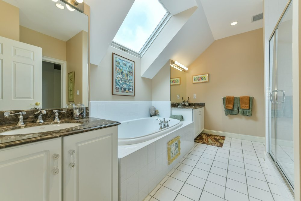 2MasterBath1_preview.jpeg
