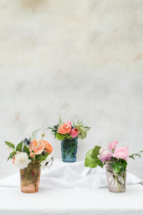 Cocktail Table Centerpiece Assorted Glass Vases Fleur De Lis Florist