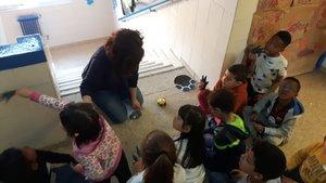 Decoración de pasillos con ayuda de las mamás y los papás