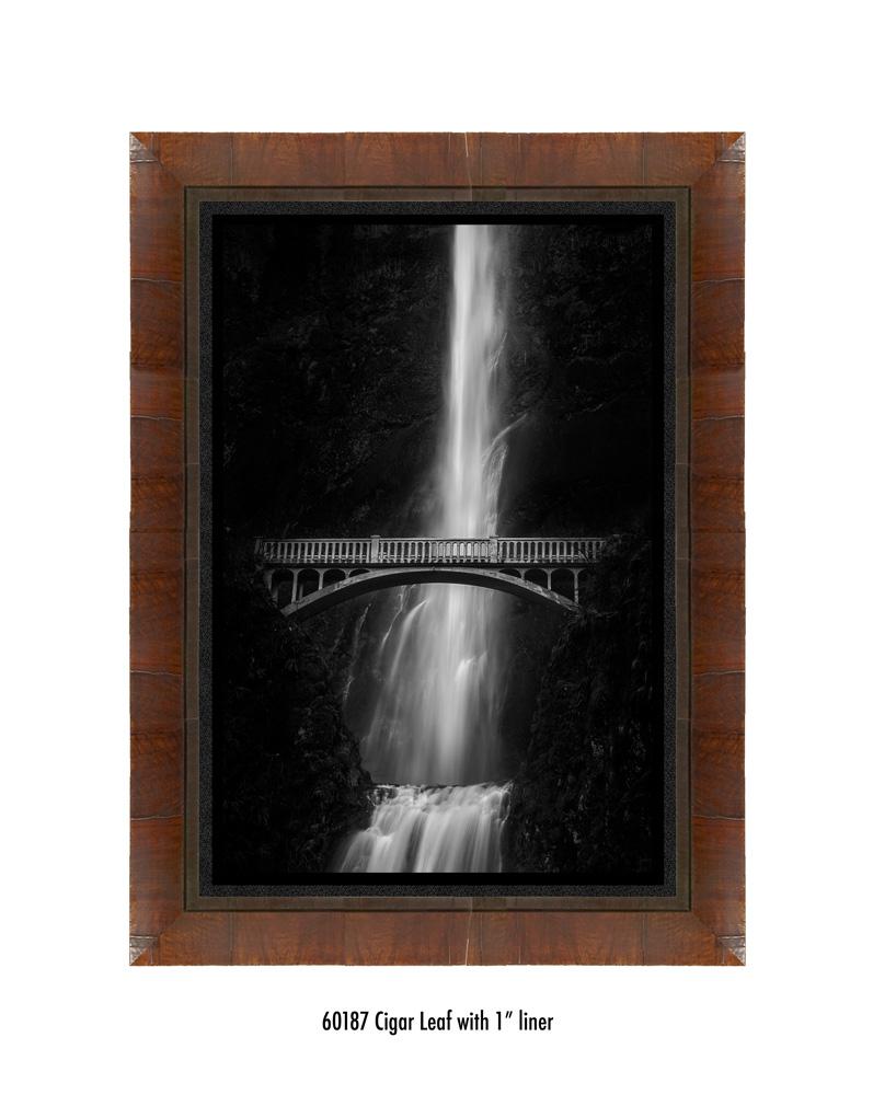 multnomah-falls-60187-1-blk.jpg