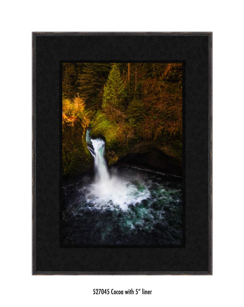 Punchbowl-falls-527045-5-blk.jpg