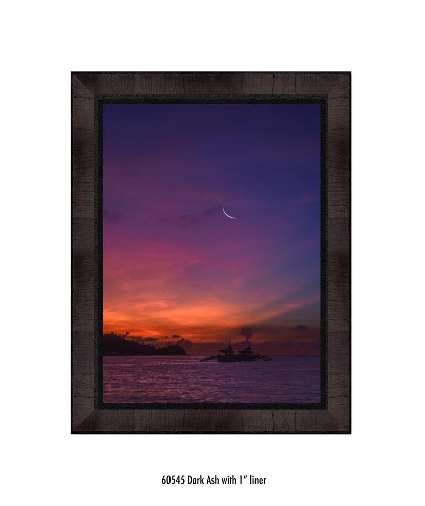 Crescent-Moon-tale-60545-1-blk.jpg