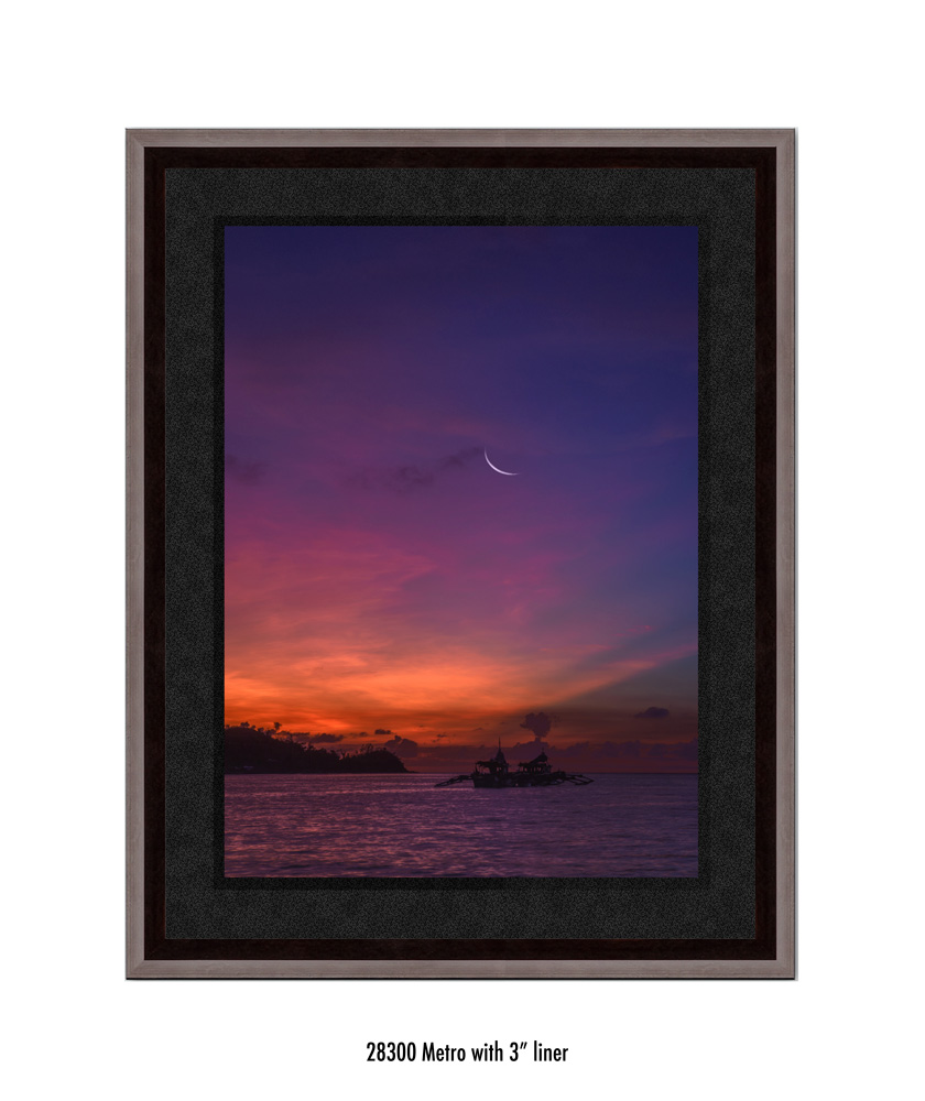 Crescent-Moon-tale-28300-3-blk.jpg