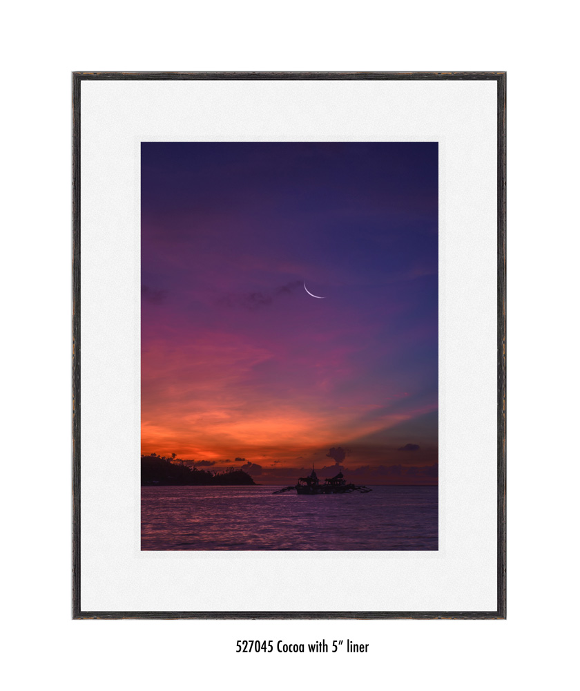 Crescent-Moon-tale-527045-5-wht.jpg