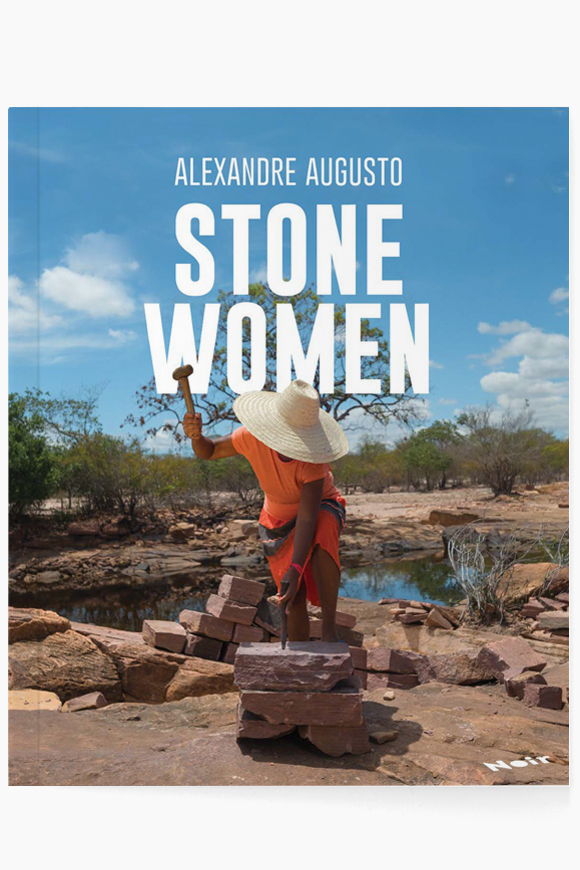 Mulheres de Pedra /  Stone Women   Alexandre Augusto