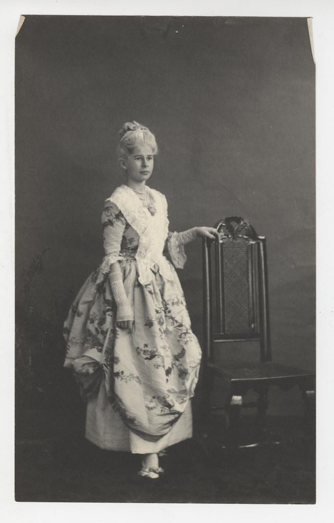 Photograph of Frances Appleton Dana de Rham dressed as Martha Washington