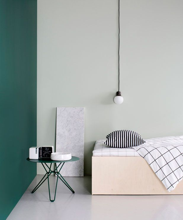 Modern and bold use of colour - Strong contrast in colour and tone, combined with sleek lines and simple design creates a modern aesthetic.