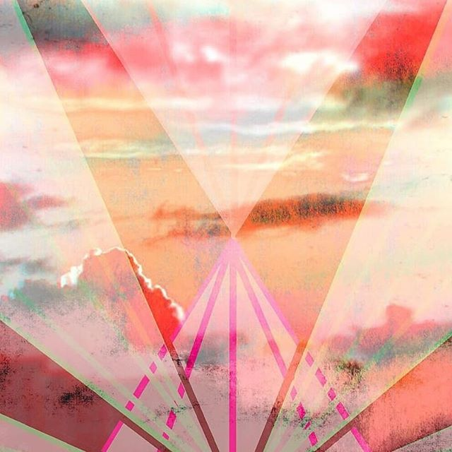 d a y b r e a k // @emilymorrisart --  FULL pic ♥️ #shoutout #love . Comin' at you with some digital art this afternoon. There's a lovely feeling about this. Thanks, Emily! . #art #digitalart #artstudiopro #daybreak #dawn #sunrise #geometricart #austinart #austinartist #austintexas #artistsoninstagram @regram.app #artyounifyshoutout