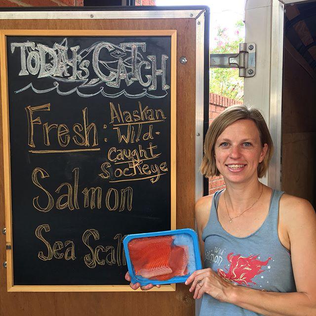 FRESH SALMON FRESH SALMON FRESH SALMON • Come on downtown! @wichitafallsfarmersmarket Fresh wild-caught Alaskan sockeye salmon cut fresh yesterday! 🐟 🍽 🐟 🍽 🐟 #wichitafalls #freshseafood #freshsockeyesalmon #alaskansalmon #freshscallops #giantscallops #wildcaught #sustainableseafood #premiumseafood #northtexas #wichitafallsfarmersmarket #boattofork #seatotable #shoplocal #supportsmallbusiness #redriversalmonrunners