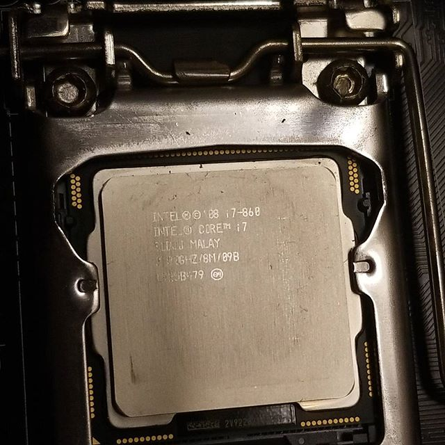 A FrankenOtter build before I was FrankenOtter! My second ever build came back to me with some issues, not and for a 10 year old system! #intel #i7 #oldie #pcbuild