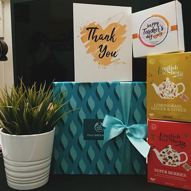 Received a lovely gift pack from @madrasahalmaarif_official parents support group for our recent collaboration for the upcoming Teachers Day. _ And a special thanks to Sister @mmahmood for the amazing effort! _ Thank you for the trust and love given. To many more collaborations ahead.