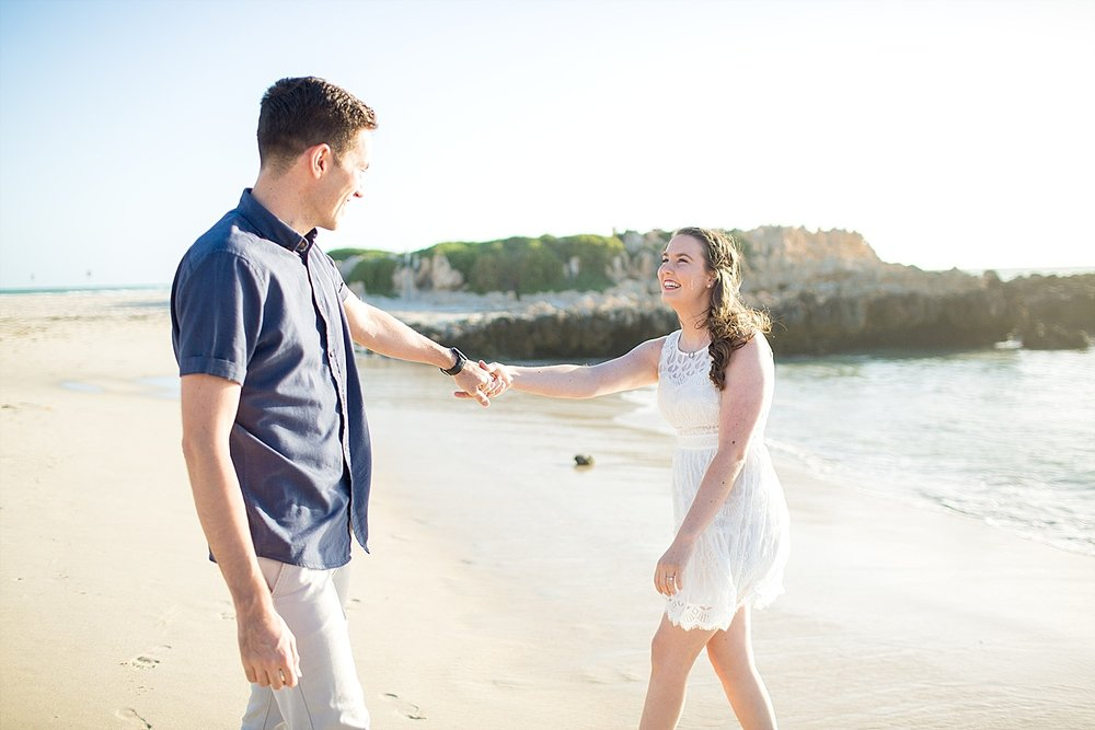Trigg_Beach_Engagement_0002.jpg