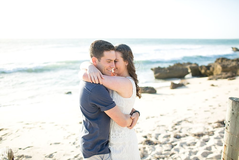 Trigg_Beach_Engagement_0004.jpg