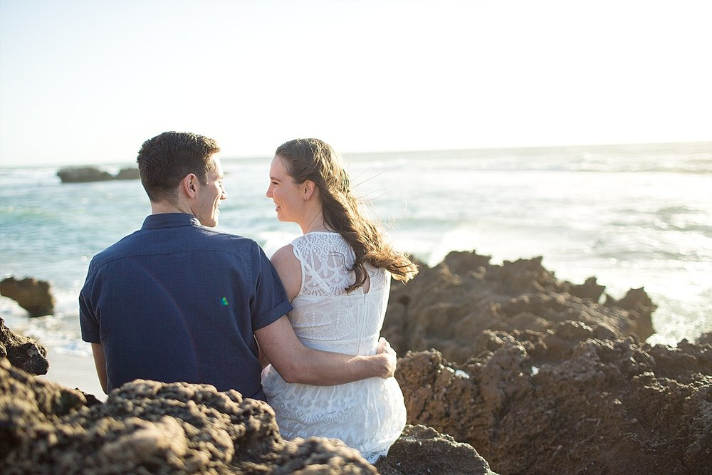 Trigg_Beach_Engagement_0014.jpg