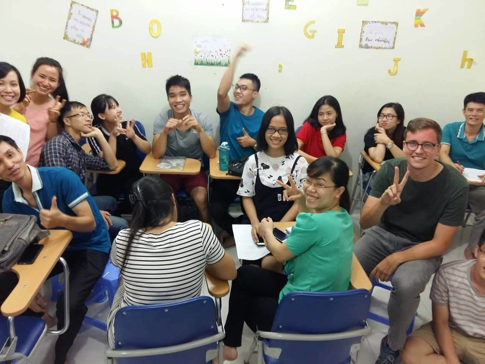 Yvo and his class in Kim Van.