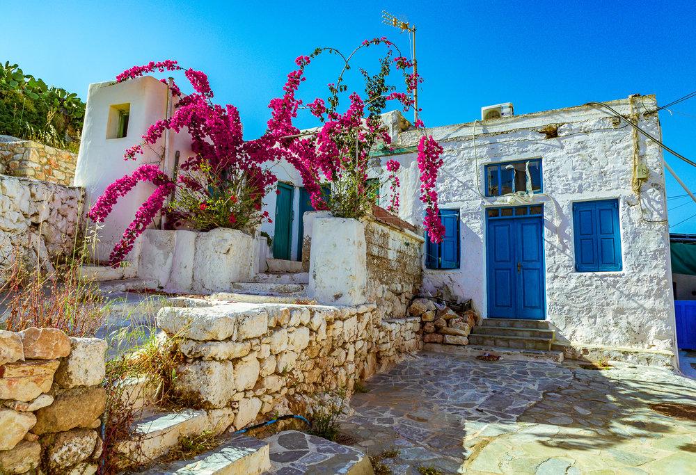 aksiotheata-kai-drastiriotites-sti-donousa-greece-01-stemajourneys.com.jpg