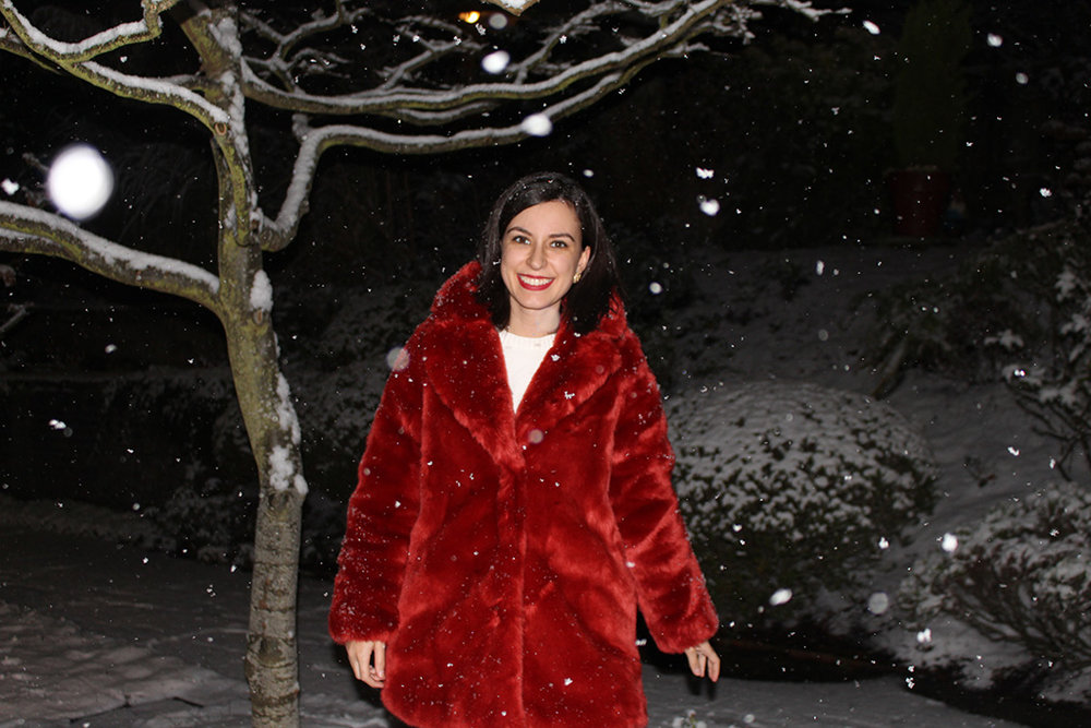 Rhoyally Chic Red Faux Fur H&M Coat