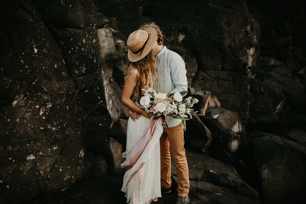 tropical_bouquet_moonstruck_florals_kauai_elopement.jpg