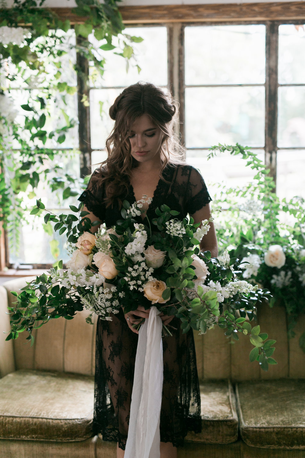 tallahassee_wedding_florist_white_and_pink_bouquet_moonstruck_florals.jpg