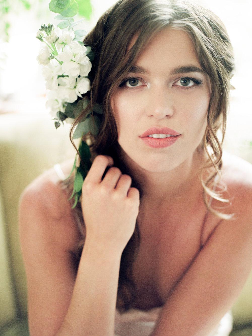 tallahassee_florists_flower_comb_moonstruck_florals.jpg