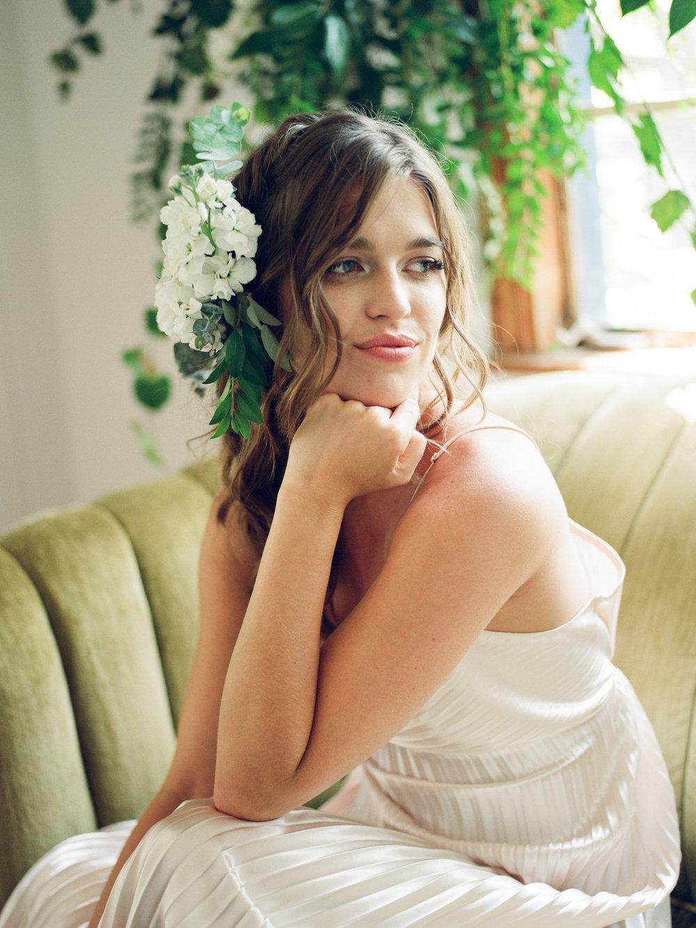 tallahassee_wedding_florist_hair_flowers_moonstruck_florals.jpg