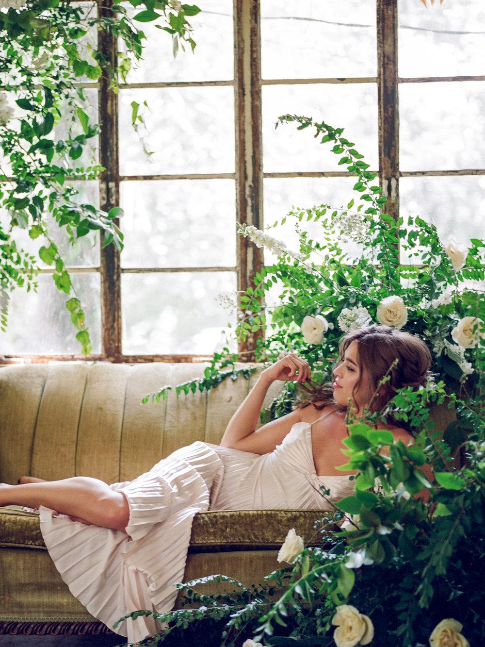 tallahassee_florist_fine_art_boudoir_inspiration_moonstruck_florals.jpg