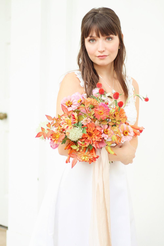 tallahassee_bride_wedding_florist_bright_pink_bouquet_fall_wedding_inspiration.jpg