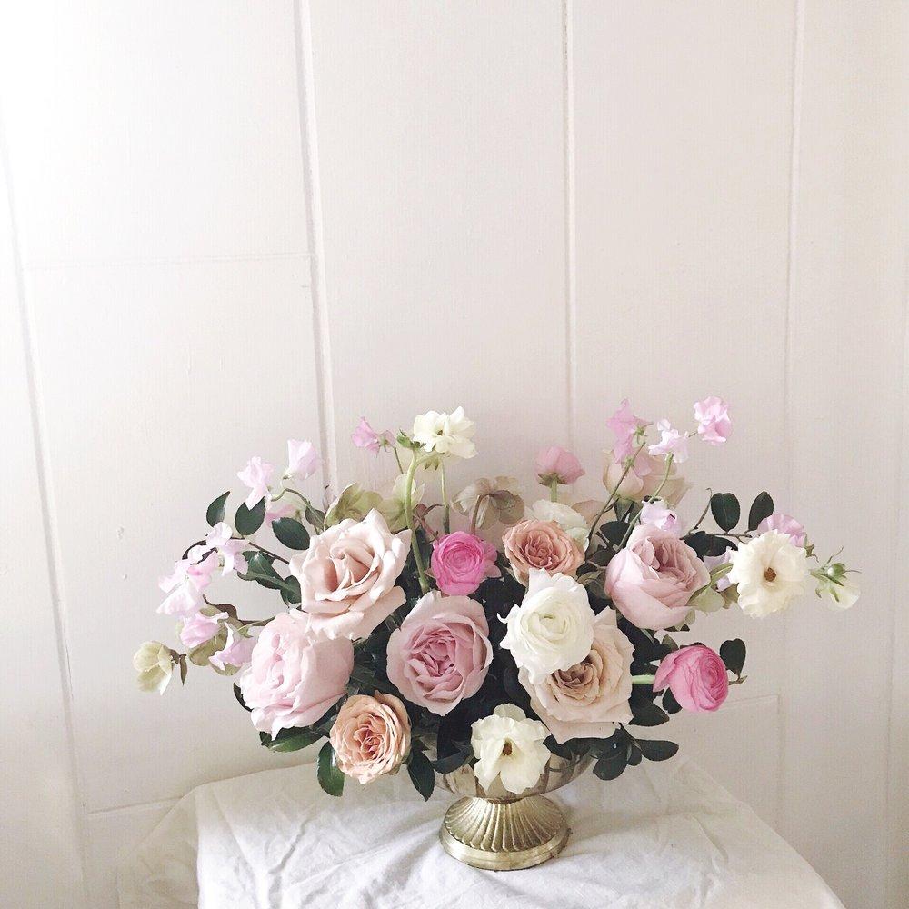 moonstruck_florals_pink_centerpiece_tallahassee_florists.JPG