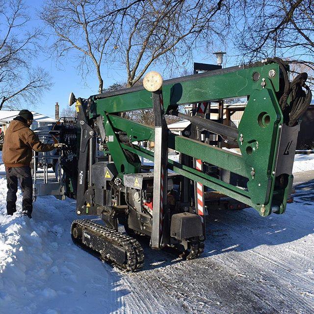 Lift Life! Weather doesn't stop Rockwood! 🏗  https://www.rockwoodtree.services/ 🏗  #lift #treelift #boom #treeservicingequipment #treeservicesquipment #WinterTreeMaintenance #WinterTreeAssessement #WinterTreeProtection #TorontoPropertyMaintenance #TorontoCommercialTreeRemoval #TorontoIndustrialTreeRemoval #TorontoResidentialTreeRemoval #TorontoTreeMaintenance #TorontoArborists #Arborists #ArboristReport #TorontoTreeHealth #TorontoTreeRemoval #TorontoTreeRepair #TorontoTreeSafety #TorontoStumpRemoval #TorontoEmergencyTreeRepair #TorontoEmergencyTreeRemoval #RockwoodTreeServices #TreeServices #TorontoTrees #TorontoTreeServices #ScarboroughTrees