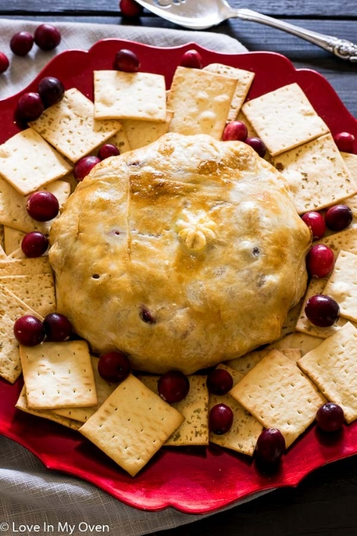 Cranberry-Almond-Baked-Brie-2.jpg