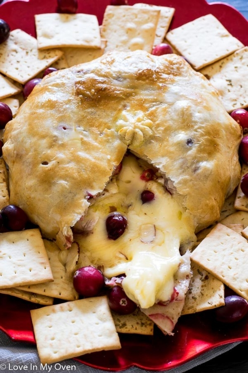 Cranberry-Almond-Baked-Brie_.jpg