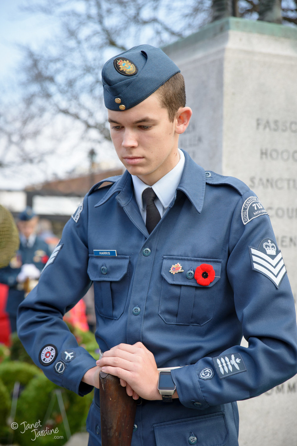 Standing-watch-at-the-cenotaph_Photo_copyright_Janet_Jardine_SquareSpace.jpg