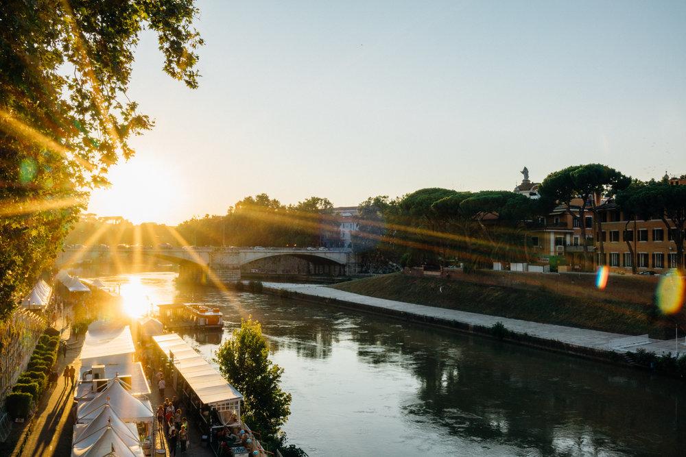 Sun setting over  Tevere  (The Tiber)