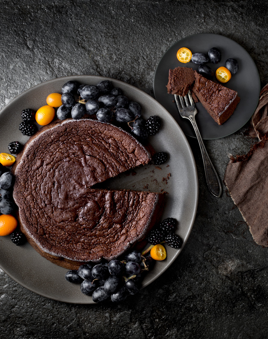 dark-flourless-chocolate-cake-food-photography.jpg