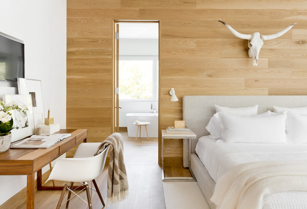 hamptons-beach-house-bedroom-neutrals.jpg