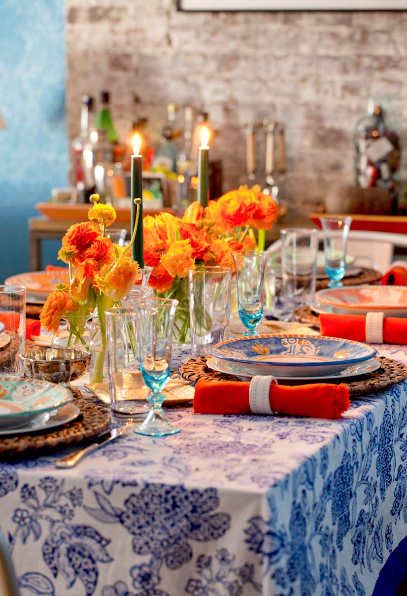 new-york-city-west-village-apartment-floral-tablescape.jpg