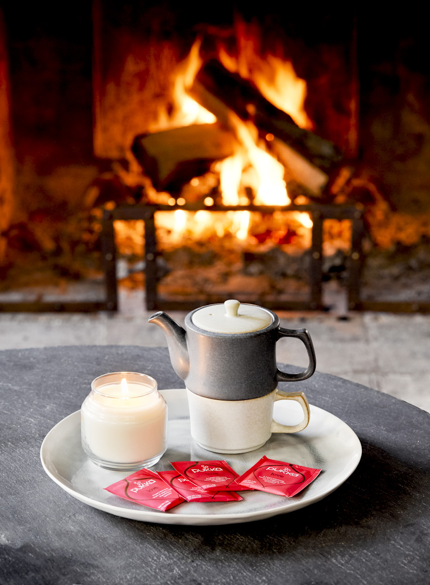 tea-by-the-fireplace-lifestyle-photography.jpg
