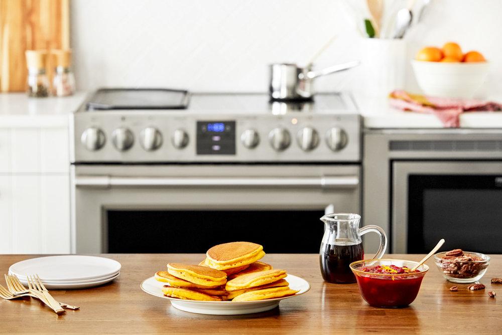 frigidaire-pancakes-cranberry-sauce-social-media-photography.jpg